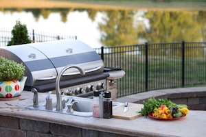 Top 4 Reasons To Consider Building An Outdoor Kitchen On A Deck